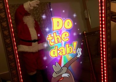 Santa does the dab!